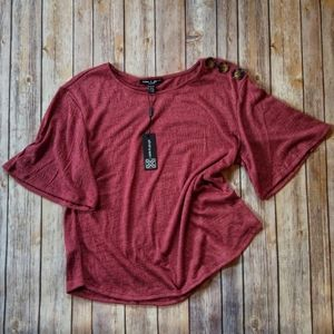 Cable & Gauge | top with button accent